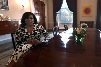 Obamas throw open doors to the White House with VR
