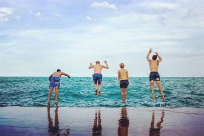 Slunks: The 80s-inspired swim brand taking over California