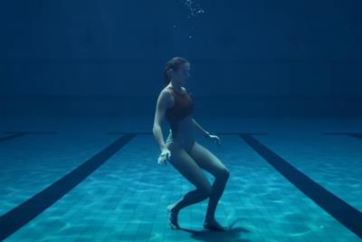 Apple follows a swimmer's epic ocean exercise