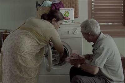 Indian detergent ad urges men to #ShareTheLoad with household chores