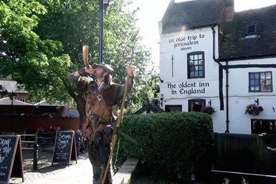"Greene King IPA ""to the pub"" by Grey London"
