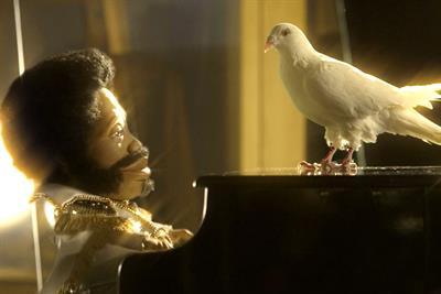 """Digital Radio UK/BBC """"endless dove"""" by RKCR/Y&R"""