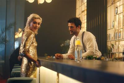 "Schweppes ""What do you expect?"" by BETC Paris"
