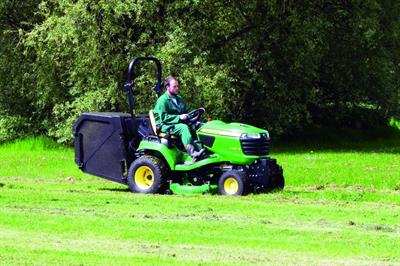 John Deere X950R (low dump) tractor ride-on mower
