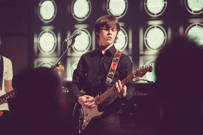 Burberry to go live on Apple TV and ties up with Jake Bugg for London Fashion Week