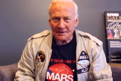 Buzz Aldrin sells moon-walking sneakers in 1969 moon landing Vine from General Electric