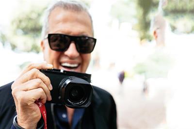 How Mario Testino found a new lens
