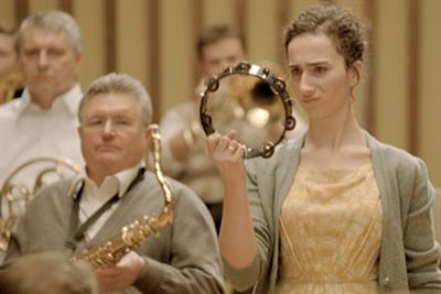 Lipton Yellow Label 'orchestra' by DDB Paris