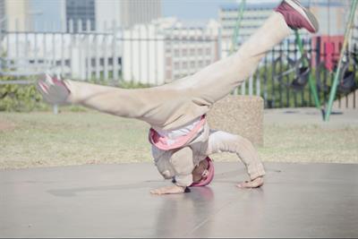 "Persil ""breakdancing girl"" by DLKW Lowe"