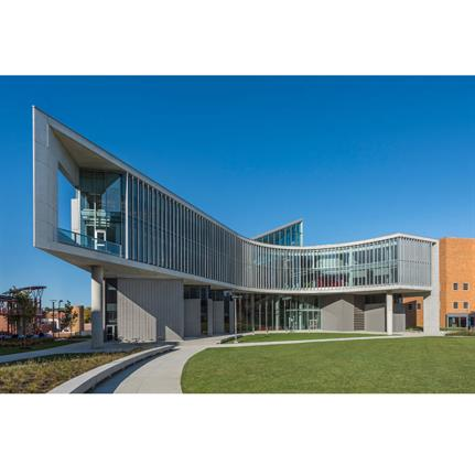 2020 WAN Awards entry: University of Cincinnati Health Sciences Building - Perkins and Will