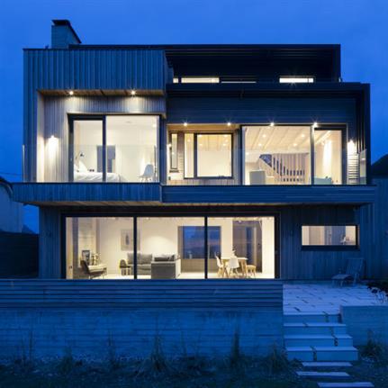 Sea views and clear design focus