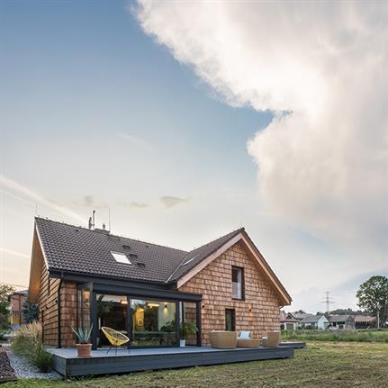 House in the Valley by Agnieszka Brzostek AB Concept Design & Vostok Design Architects