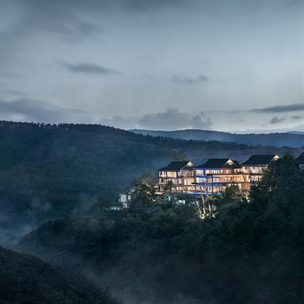 Zhang Can and Li Wenting design Oxyrest Villa in China