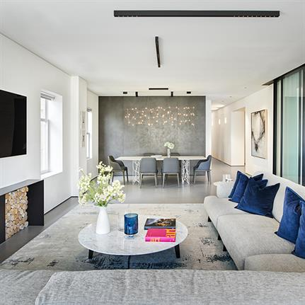 California's aged abode adapted into a modern home by Maydan Architects