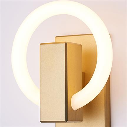 Entries illuminate lighting products' design