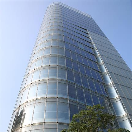 Huitong Hybrid Tower: half world-class office space, half high-tech car park
