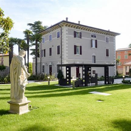 IdealPark car lifts: the Italian alternative sub-garden car park