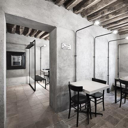 Italian eatery exudes rustic charm