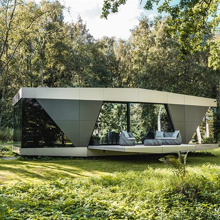 The Space: iOhouse's first model in nomadic autonomous living