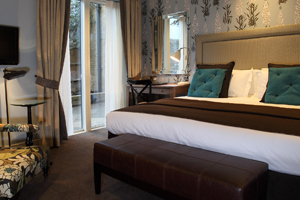 Young's opens accommodation wing at the Alma in London