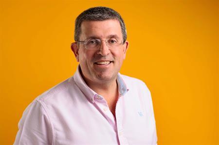 AOK CEO Alex Hewitt