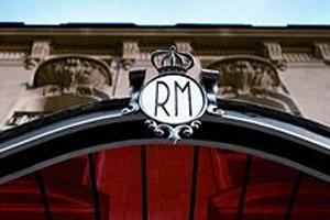 Raffles Paris opens