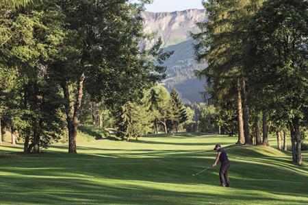 Tee time: Global golfing