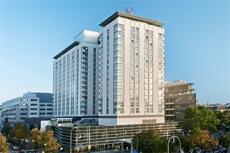 The biggest hotel in Vienna with the best location: Hilton Vienna