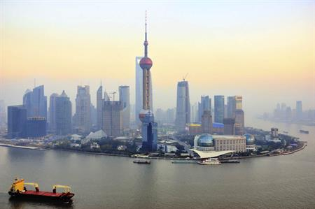 The UK government is looking at expanding a VIP mobile visa service in Shanghai