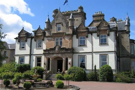 De Vere to sell golf resorts