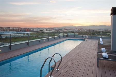The rooftop pool at DoubleTree by Hilton Girona