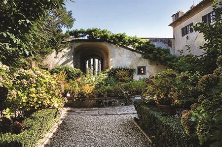 Villa Medicea di Lilliano Wine Estate, Tuscany