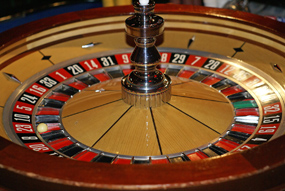 The select committee report says that councils should decide on casino developments