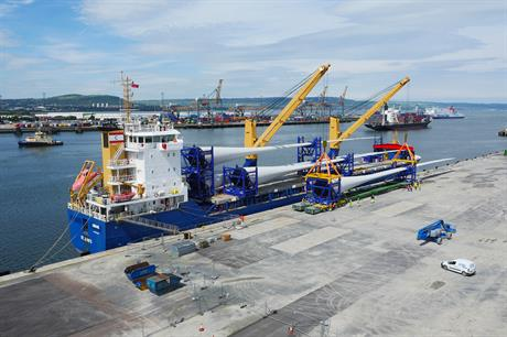 The first batch of UK-produced blades have been delivered to the pre-assembly site in Belfast