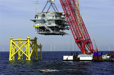 The substation is lowered into position at Borkum Riffgrund 1