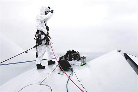 BladeBUG's robot demonstrated its walking abilities on an offshore wind turbine over two days in mid-October