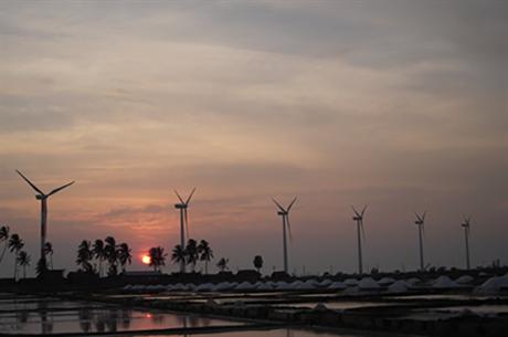 Gamesa turbines at the Seguwanthivu and Vidathamuni project in Sri Lanka (pic: windpower.lk)