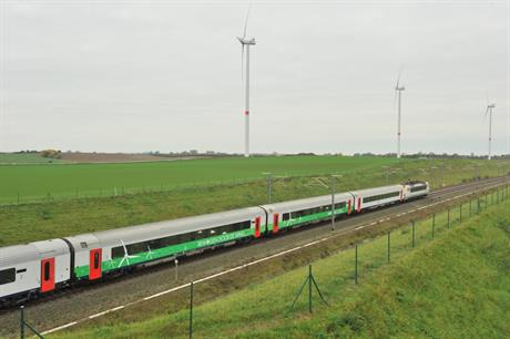The 14MW E40 Gingelom project sits beside a Belgian railway line (pic: Greensky)