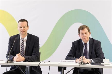 OGE board member Dr. Thomas Hüwener (left) and Amprion technical manager Dr. Klaus Kleinekorte unveiled the plans at a press conference in Berlin