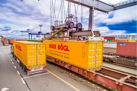 Max Boegl's temporary facotry en route to the Thailand site (pic: Max Boegl / Reinhard Mederer)