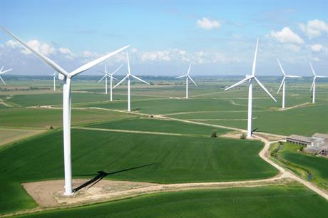 The government's climate change committee recommends a route to market for onshore wind