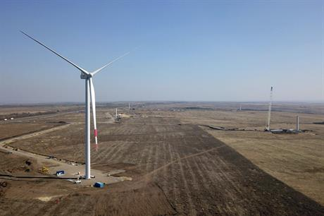 Fortum and Rusnano install the first turbine at the Sulinskaya project in southwest Russia (pic: Rusnano)