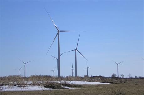 The 198MW Wolfe Island wind farm in Ontario (pic:santryl@en.wikipedia)
