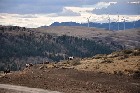 sPower's Pioneer wind farm (above) in Wyoming uses 46 of GE's 1.85-87 turbines