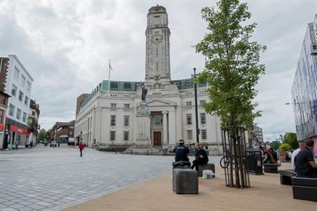 Luton town centre, featuring the town hall (centre). Pic: Steintec, Flickr