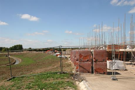 Construction: seventeen action plans point to support for small sites