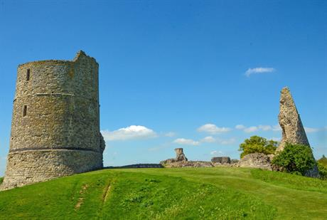 Hadleigh Castle in the borough of Castle Point. Image by Bex Foreman, Flickr