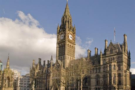 Manchester: tram extension approved