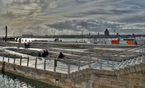 The Pier Head & Canal Link in Liverpool has won the 2010 Riba Cabe Public Space Award.