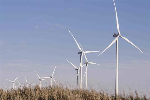 EDPR grows portfolio but sees profit shrink after Texas storm